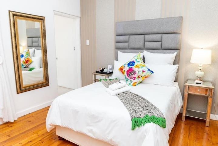 Double Deluxe Room with Shower