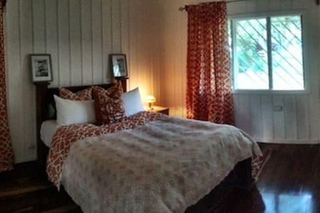 Country Club Studio Apartment in Prestigious Area - Guácima - Rumah Tamu