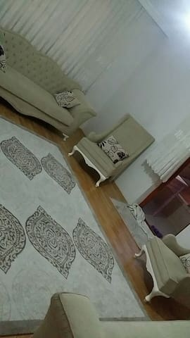 Modern flat with nice conveniences - Hüseyin Gazi - Apartament