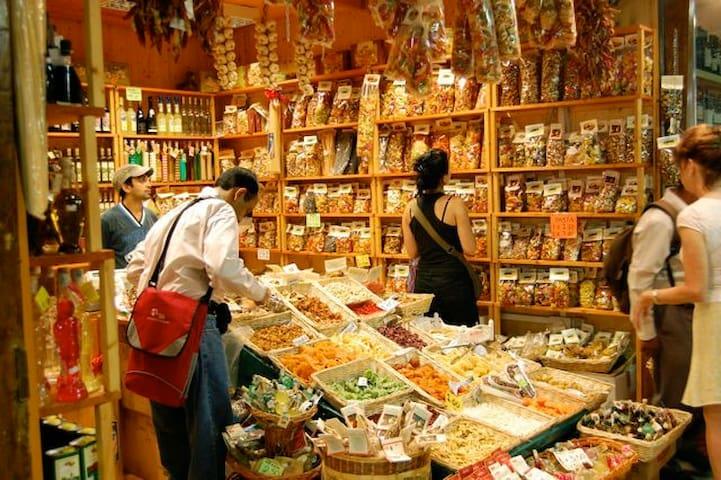 Shop with Tuscan food in the central market