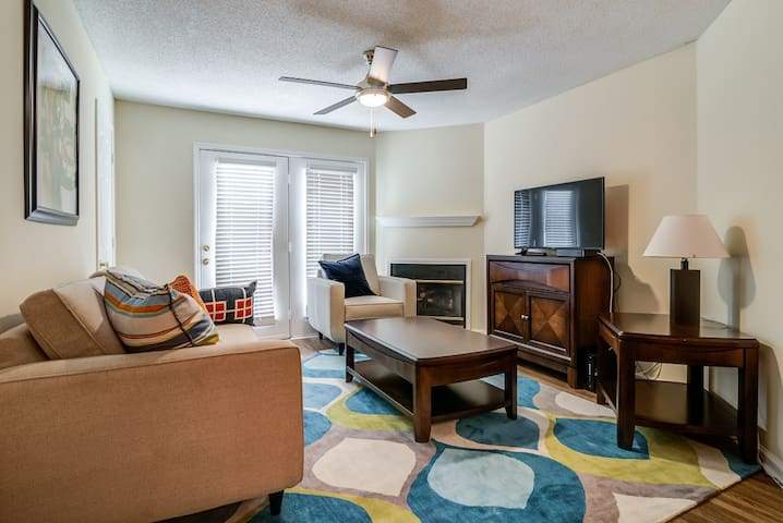 Great 2BR/2BA Minutes from Downtown Nashville!