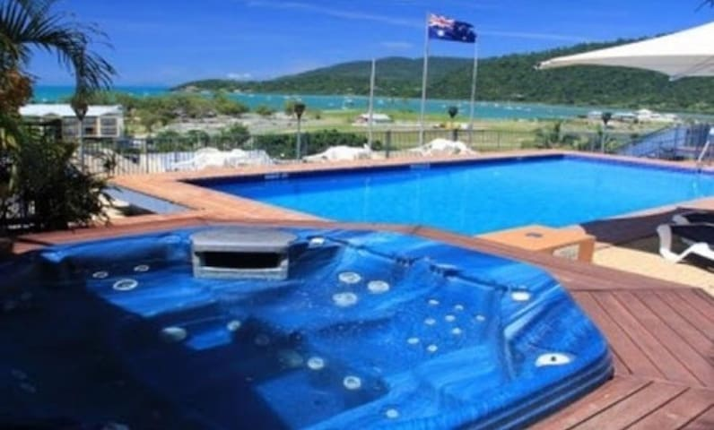 Penthouse Style Apartment in Airlie Beach - Airlie Beach - Apartment