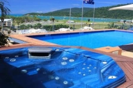 Penthouse Style Apartment in Airlie Beach - Airlie Beach