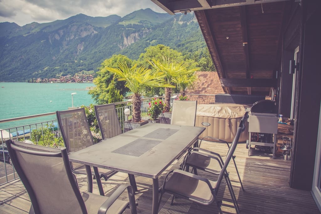 luxus direkt am see mit whirlpool auf terrasse appartamenti in affitto a brienz bern svizzera. Black Bedroom Furniture Sets. Home Design Ideas