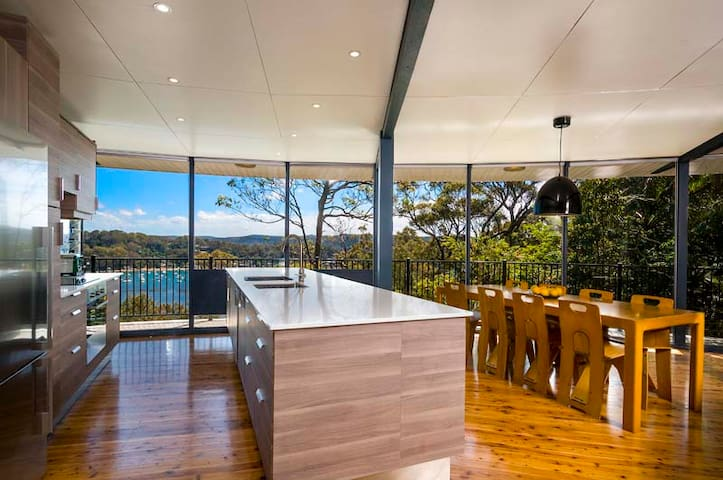 FIG TREE HOUSE with Palm Beach Holiday Rentals - Whale Beach - House