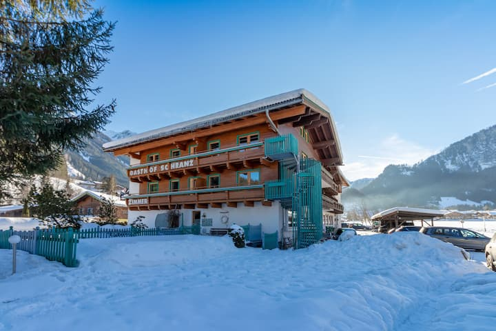 Lovely Apartment with Sauna, Ski Storage, Pool, Terrace
