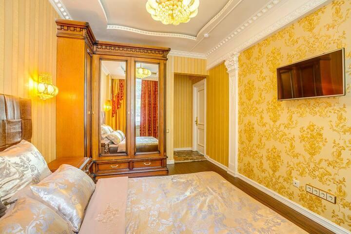 Golden Hotel - Полулюкс 109