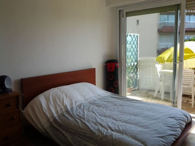 Private bedroom 10 mn beaches - Cagnes-sur-Mer