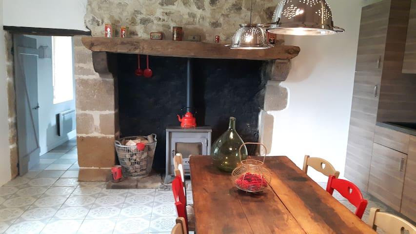 Lava Lodge, Gloednieuw vakantiehuis, Auvergne - Espinasse - Huis