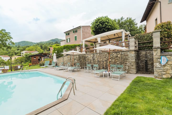 Lodging with terrace. Pool, Hot Tub, Sauna on spot
