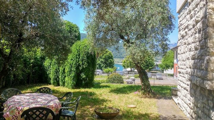 Casa vacanza gli ulivi del lago