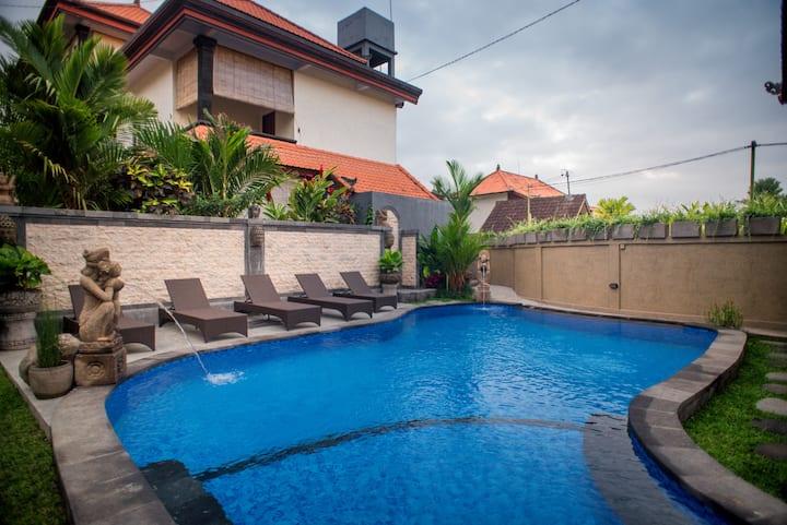 Gora House Bali - Deluxe Double Room