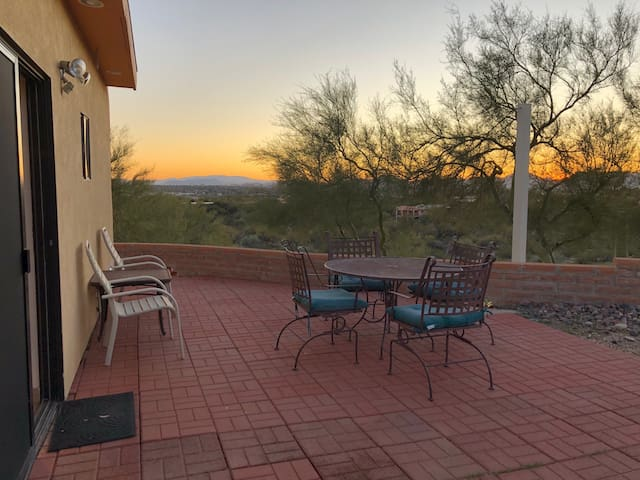 Catalina Foothills Studio Gst Hse-City & Mtn View