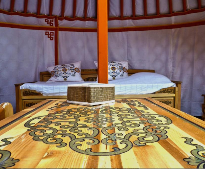 Mobilier traditionnel de Mongolie.