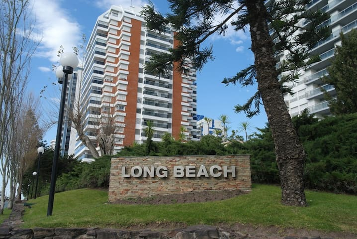 Edificio Long Beach piso 10 super vista al mar
