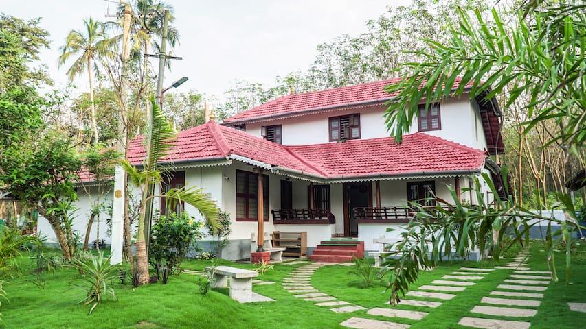 Anamala Serenity homestay - ancestral home
