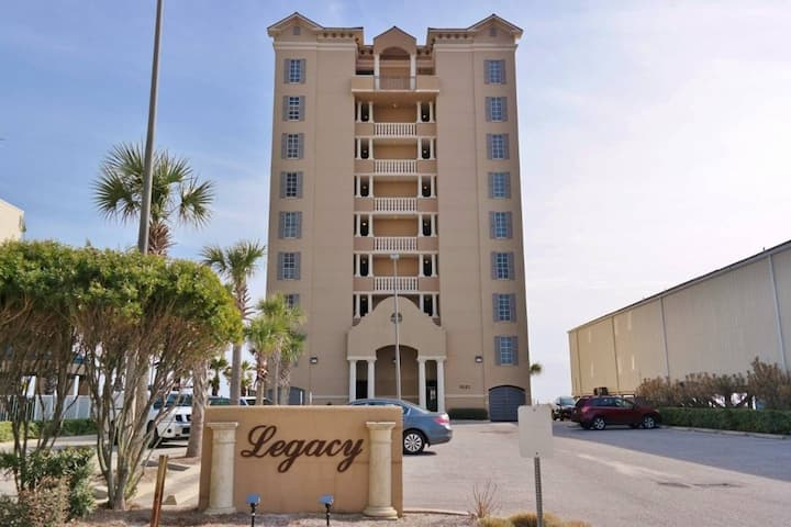 Updated/Upgraded Direct Beach Fronto Condo Slps 8