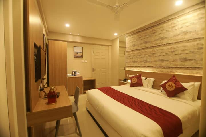 Cozy Deluxe room at Palakkad