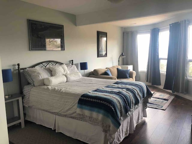 Your oasis!  Bed is SUPER comfy! (As rated and reviewed by other Airbnbers!)