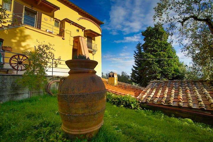 "Dimora tipica Toscana ""Le Capanne"""