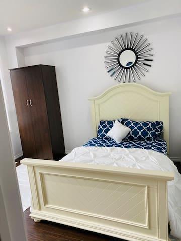 Clean quiet comfortable room