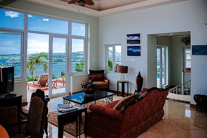 Seaview Villa with Ocean View