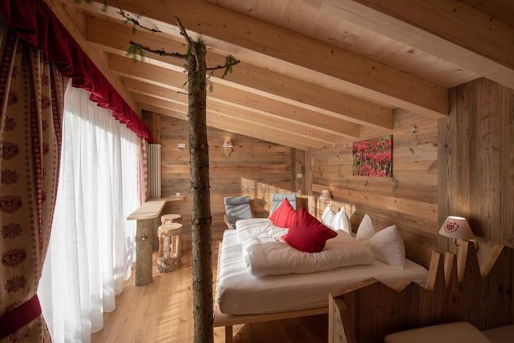 Casa sull'albero nelle Dolomiti