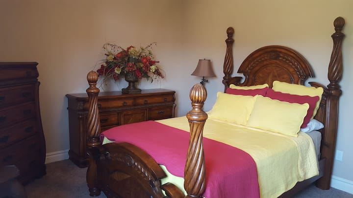 Comfortable, Stylish, Country Home, Queen Bedroom