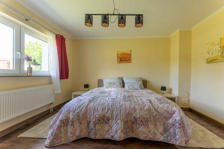Ferienwohnung Alter Schafstall Schlafzimmer 2
