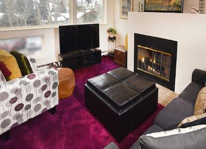 Cozy one bedroom condo-TOV tax lic #000185