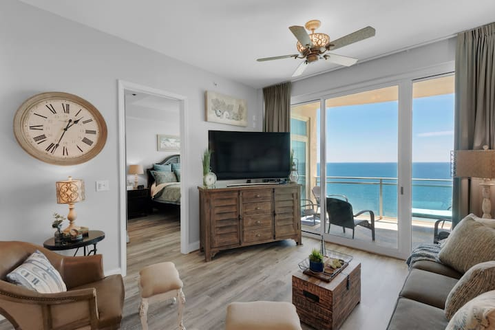 2306 - 1B/2 Bath With Bonus Room. Master Bedroom & Living Room Face the Gulf!