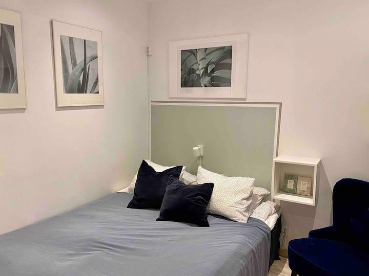 Semi-automatic mini-hotel  (room #2)