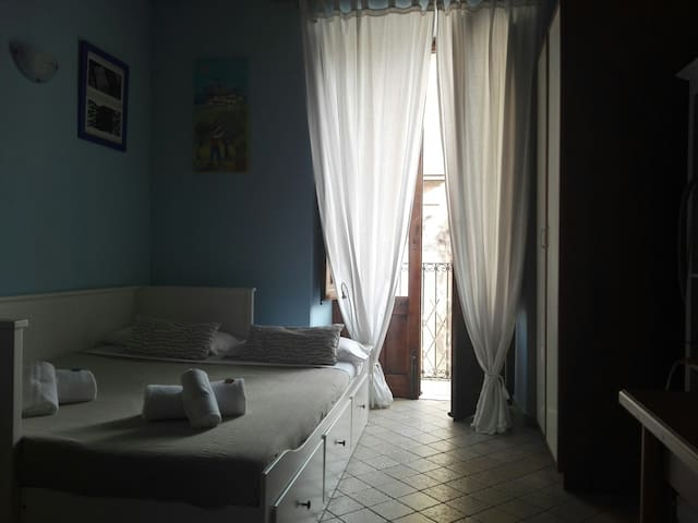 One room apartement in the heart of Catania