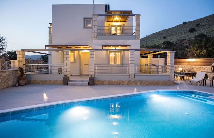 "2 km From The Beach, Pool Villa ""Stone & Green""! - Vamos"