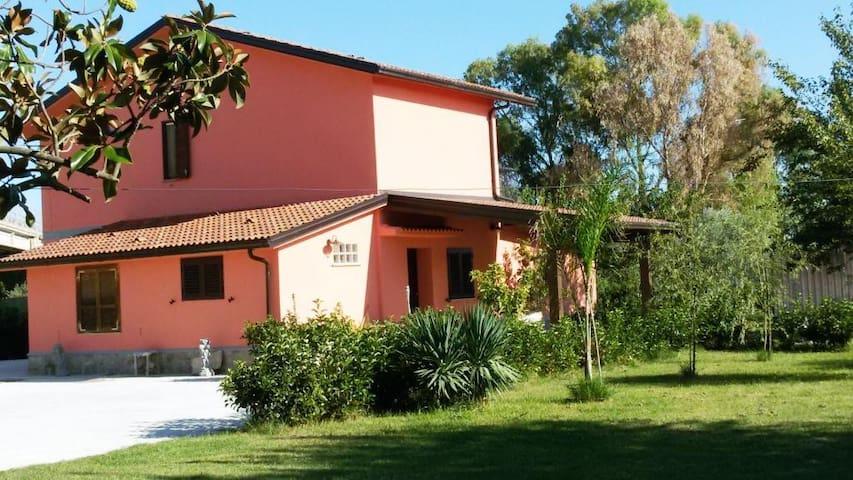 Villa Russo Semindipendente