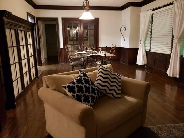 Stylish midtown apartment