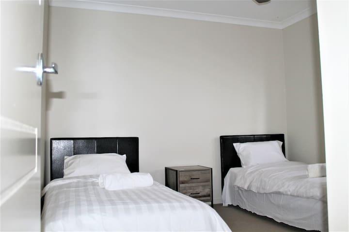 Single beds Bedroom 3