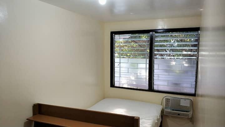 Solo Room Makati Ave Goethe Salcedo Ayala Buendia