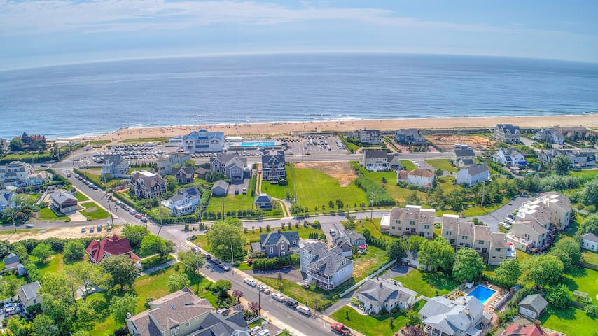 Perfect Monmouth Beach 5 Star beach house w pool.