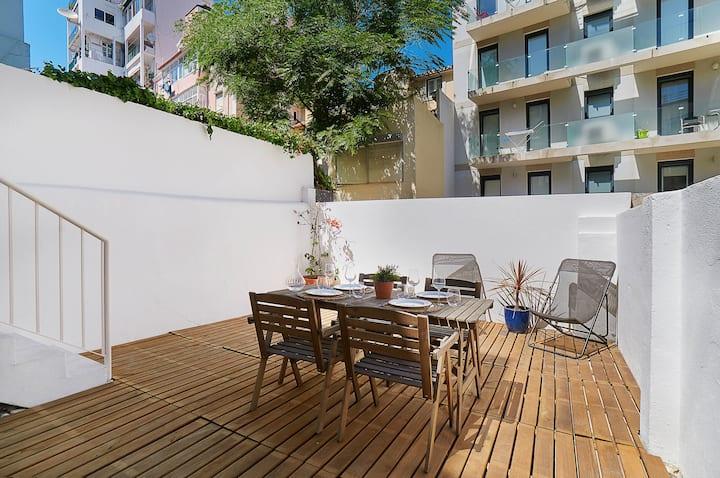 New apartment & large terrace next to Estrela Park