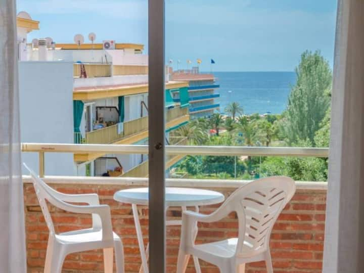 - APARTMENT NEAR THE FENALS BEACH