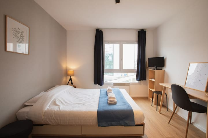 WARM STUDIO IN THE CENTER OF LILLE, NEAR THE LILLE FLANDRES RAILWAY STATION