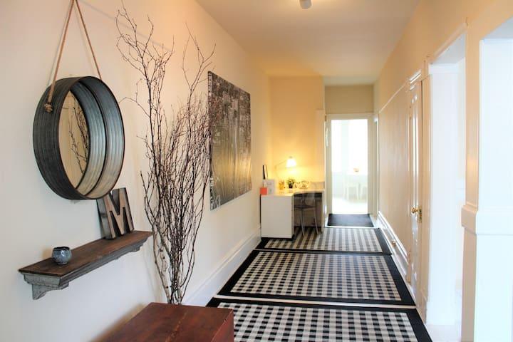 Huge 1BR Apartment + Garden (NoPa)