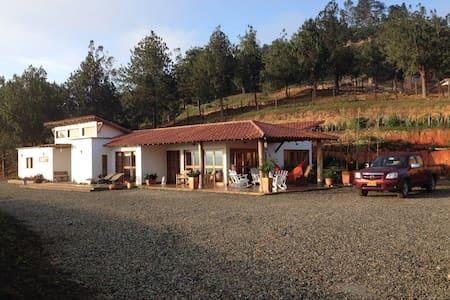 Casa  La Nube,  vista, tranquilidad, comodidad - Los Santos - Luontohotelli