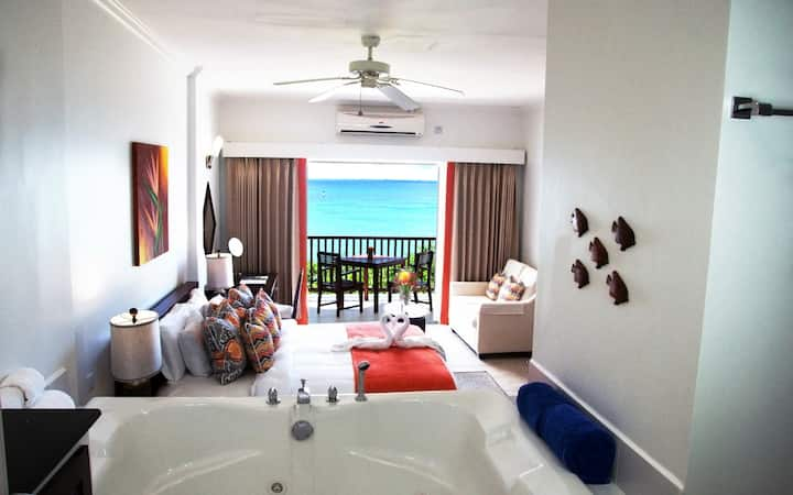 *LUXURY* ♦ Private Resort & Spa - Sunset Ocean View Jr. Suites (BREAKFAST INCLUDED)