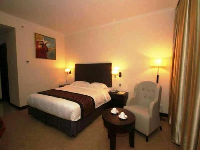 PRIVATE ROOM WITH HOTEL SERVICE - Batam - Bed & Breakfast