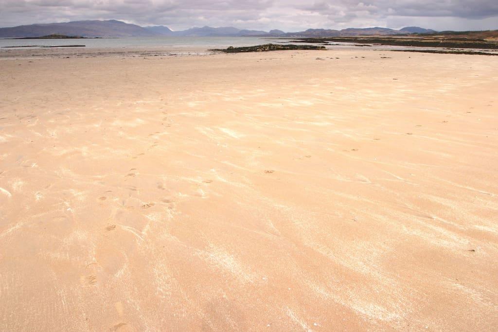 Ashaig Beach - 10 mins walk