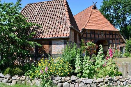 Wohnen im Bauernhaus von 1637 - Rosenzimmer