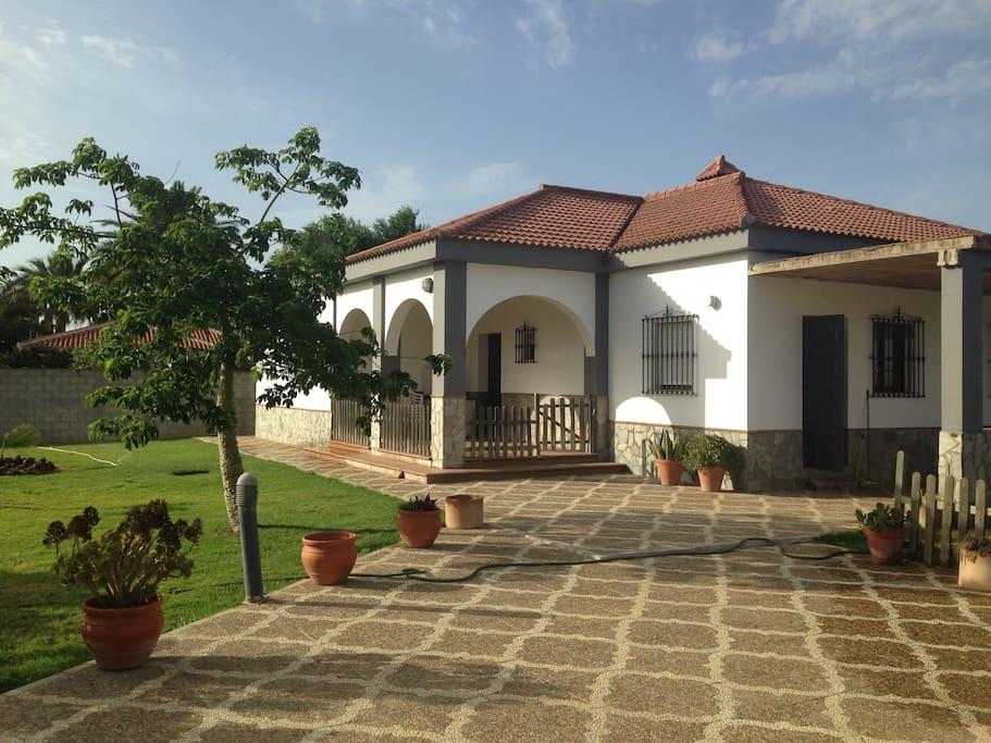 Chalet en el campo casas en alquiler en carmona sevilla for Casas de campo en alquiler baratas en sevilla