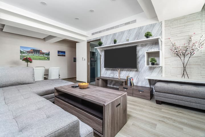 Modern Comfortable 3B3b Living Room, Dining Room, Kitchen, Washer & Dryer, First Bedroom w/ Living Room, Double-Sized Bed (150 x 180 cm), Single-Sized Bed (90 x 180 cm) & Attached Bathroom, Second Bedroom w/ Queen-Sized Bed (180 x 180 cm), Third Bedroom with Double-Sized Bed (150 x 180 cm) & Attached Bathroom, 1 Minute Walk to Taipei Main Station MRT Exit Y17